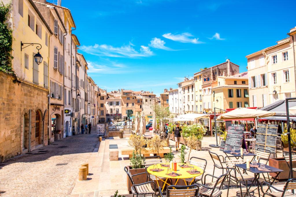 Place pavée à Aix-en-Provence