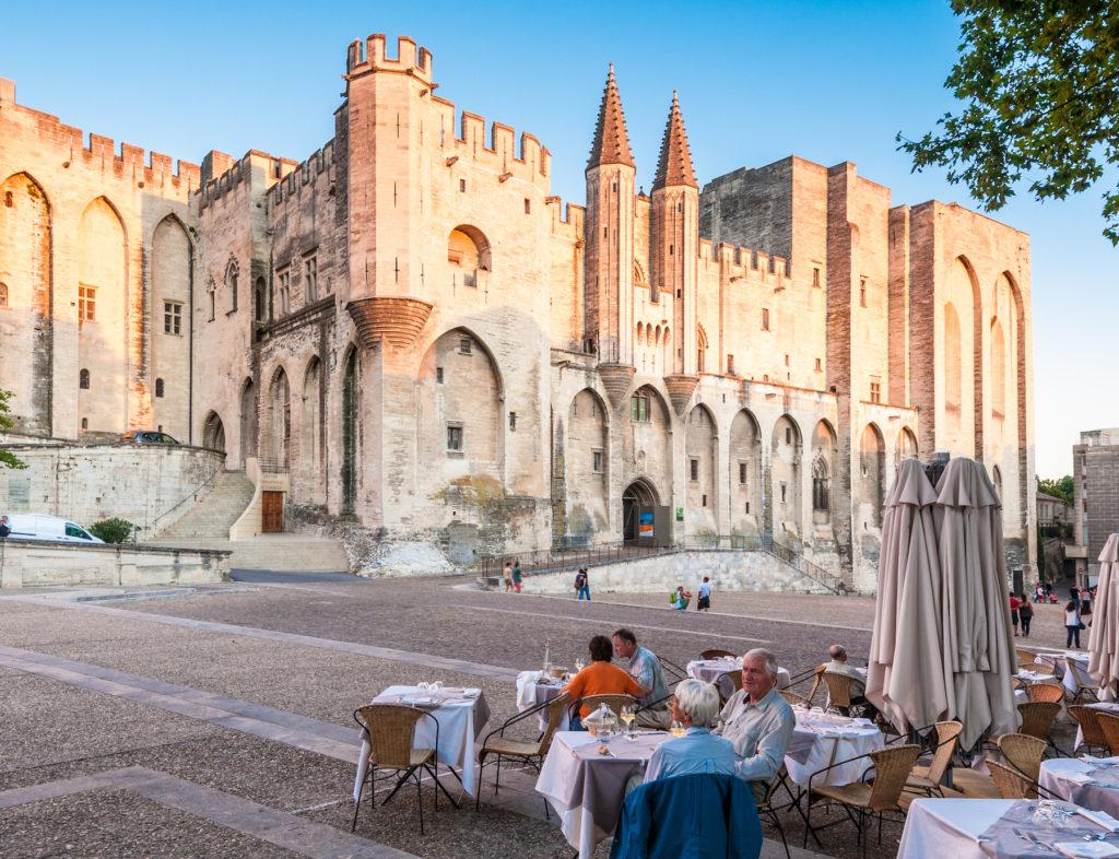 Cour extérieur d'un chateau à Avignon
