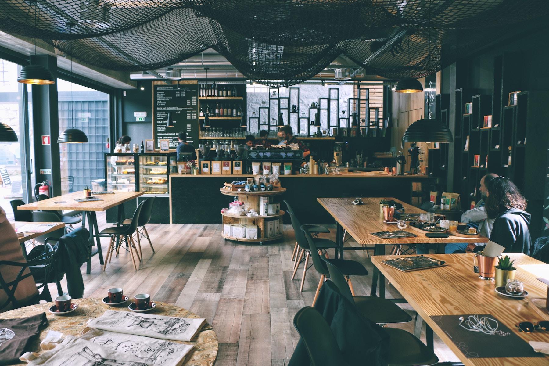 Intérieur d'un café shop