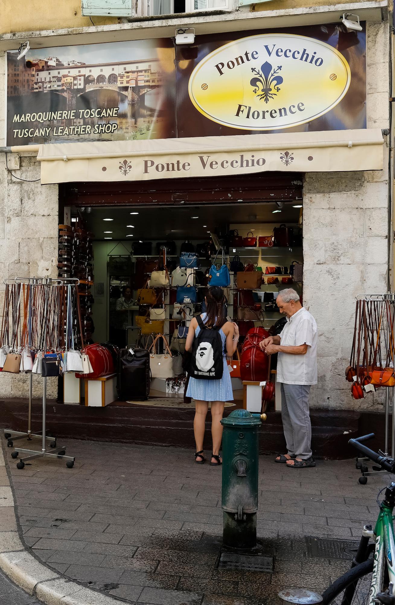 boutique de maroquinerie